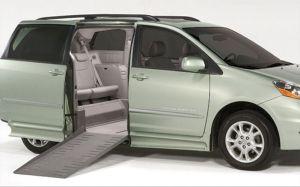 Toyota Sienna Rampvan