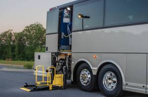 wheelchair-lift-charter-bus